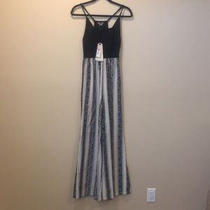 Great summer jumpsuit! NWT!
